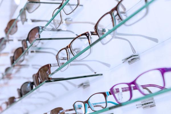 Dispensing-eyewear